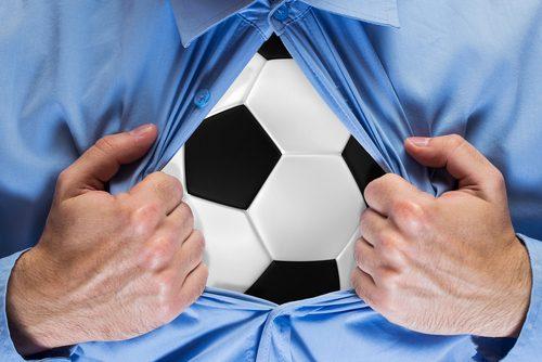 Voetbalclubs omarmen shirtsponsoring door gokbedrijven
